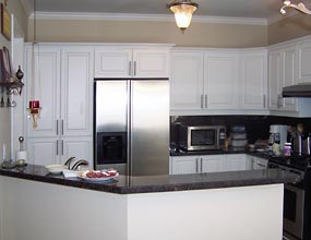 Photo of a kitchen after redecoration by Distinctive Spaces.
